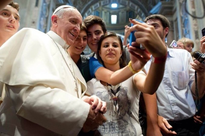 Papa Francesco Selfie iPhone